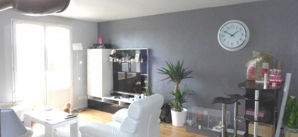 Appartement de 60 m² au dernier étage à BUSSY SAINT GEORGES
