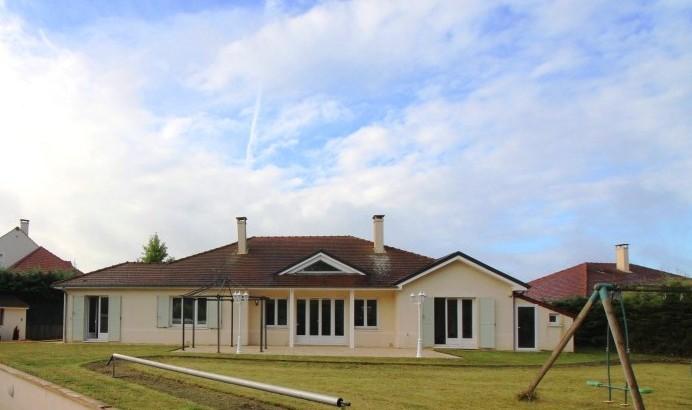 vendu aivb villa kaufman d 39 exception de 220m habitables sur bussy st georges choisissez aivb. Black Bedroom Furniture Sets. Home Design Ideas