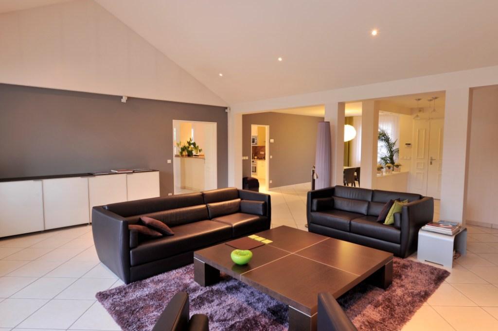 Villa kaufman de 201m habitables en bordure du golf de for Modele maison kaufman broad