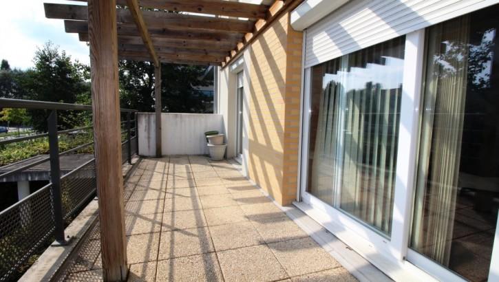 VENDU AIVB : Appartement DUPLEX F5/F6 avec terrasse et balcon à BUSSY SAINT GEORGES LAC
