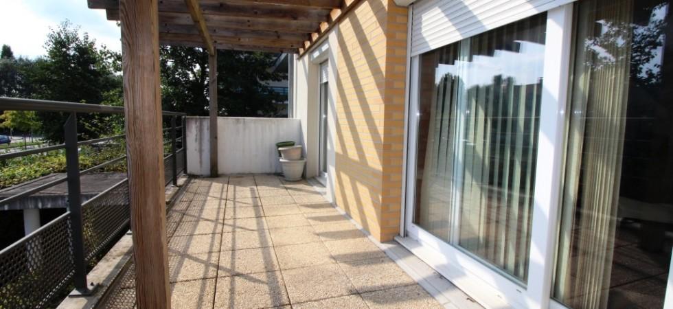 Appartement DUPLEX F5/F6 avec terrasse et balcon à BUSSY SAINT GEORGES LAC