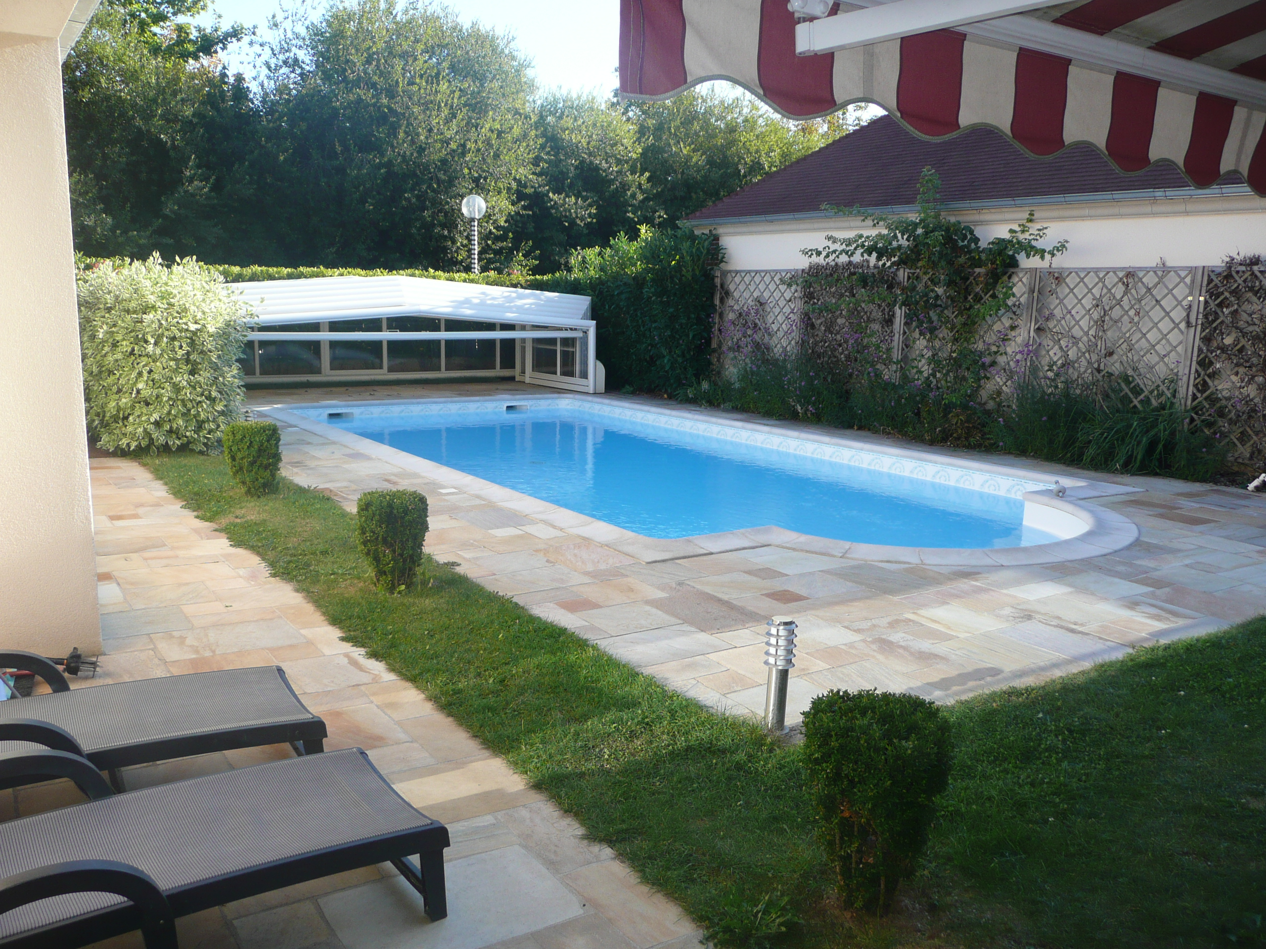 Vendu aivb villa de 277m avec piscine bussy saint for Piscine intercommunale des bussys