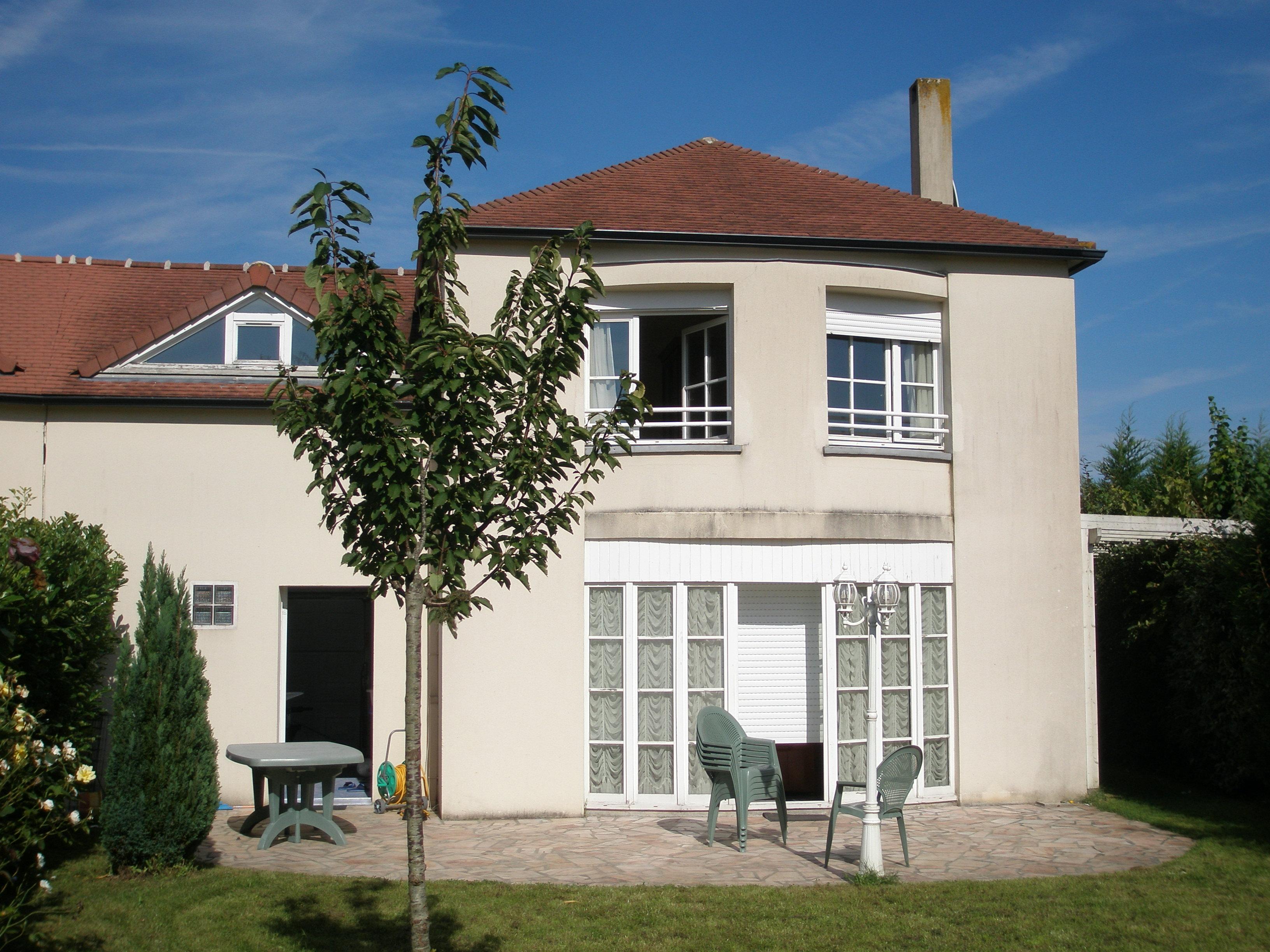 Vendu aivb pavillon de 124 m avec jardin bussy saint for Location appartement ou maison avec jardin