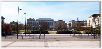 AIVB : la grande place proche du RER A de Bussy Saint Georges