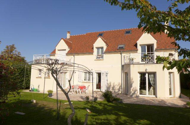 VILLA D'ARCHITECTE Bussy Saint Georges EXCLUSIVITE