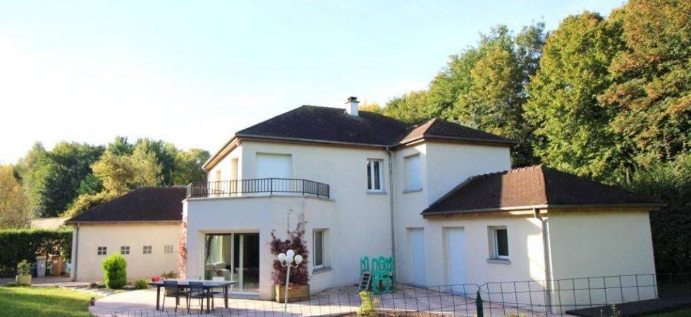 maison architecte 100 000 euros beautiful maison le mans. Black Bedroom Furniture Sets. Home Design Ideas